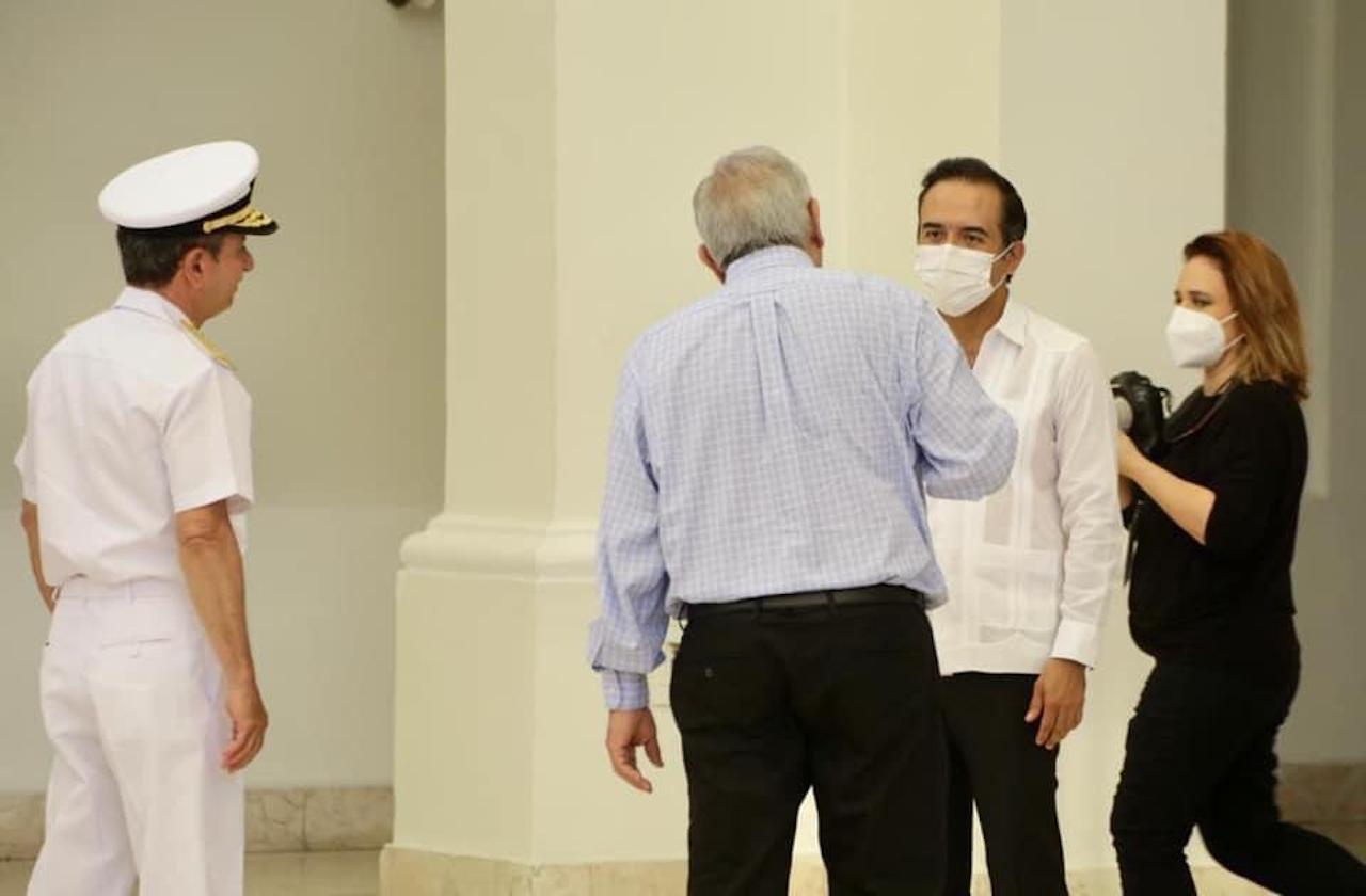 En Veracruz, AMLO destaca saludo a Fernando Yunes y pide unidad