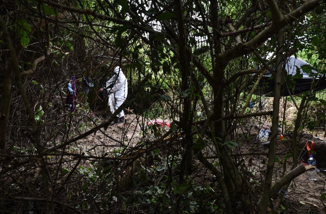 Encuentran 7 cuerpos en fosas de Arbolillo; suman 24