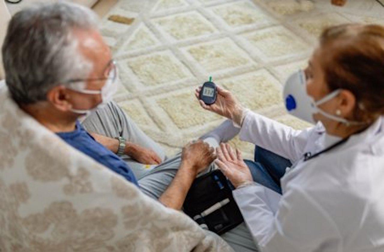 Enfermedades crónicas aumentan riesgos en rebrotes de covid