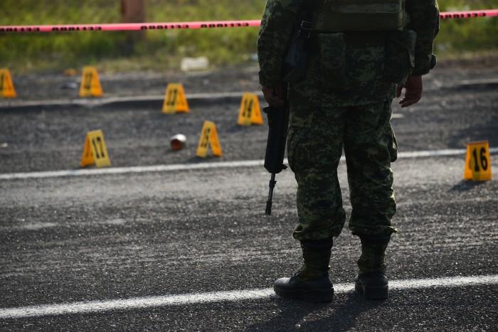 Se enfrentan Policía Naval y delincuentes en Coatzacoalcos
