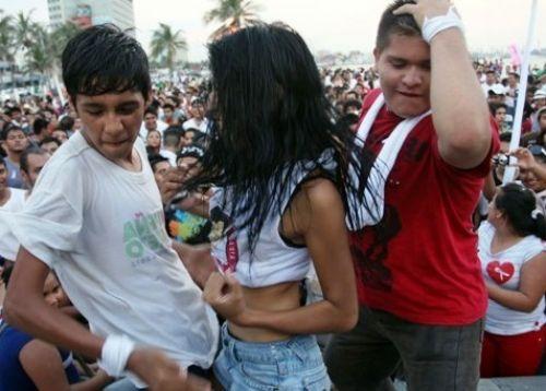 Pueblo Viejo prohíbe el reggaetón durante las fiestas patrias
