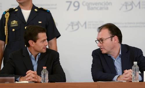 La reforma financiera favorece menores tasas de interés y más crédito: Peña Nieto