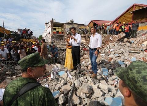 Sección 22 de Oaxaca bloquea inauguración por EPN