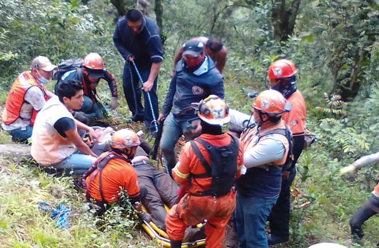 Ernesto fue despojado de su auto y arrojado a barranco de Jilotepec