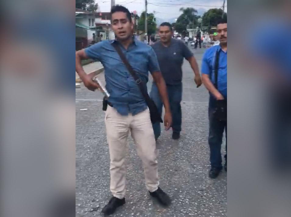 Inician investigación por amenaza de un escolta de José Abella