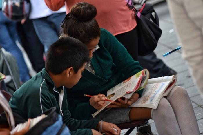 Más de 11 millones de alumnos, en planteles de zonas muy marginadas