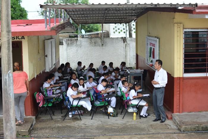 Sin Maestros E Infraestructura En Escuelas De Tiempo