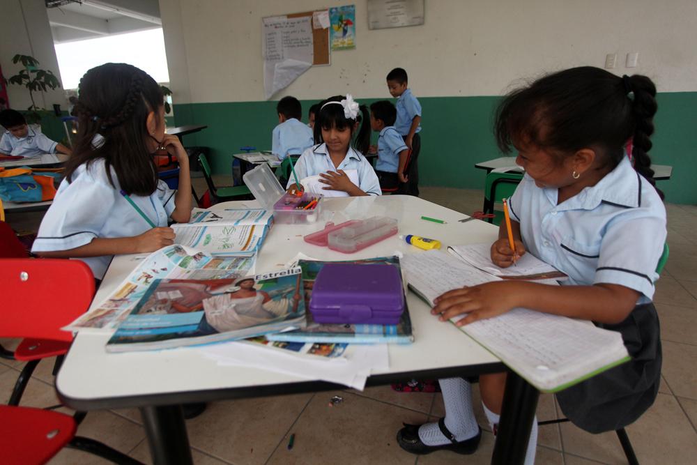 En la indefinición legal 90% de escuelas de Tuxpan