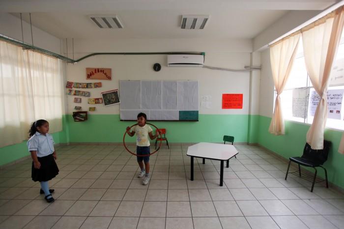 Espacios Educativos no entregó mobiliario durante tres años