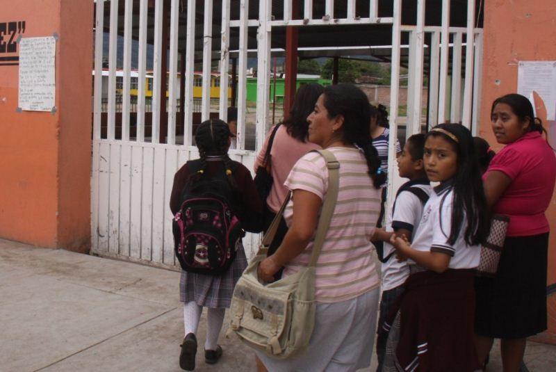 Rebelión de maestros en sierra de Veracruz; piden seguridad