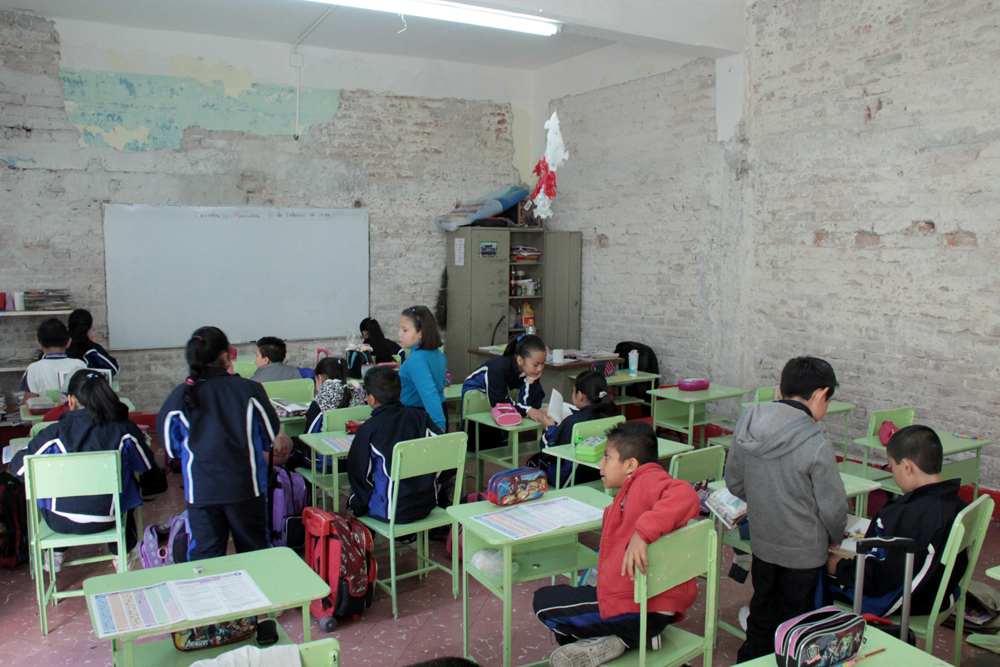 Escuelas de zongolica sin maestros y sin mobiliario e for Mobiliario para escuelas