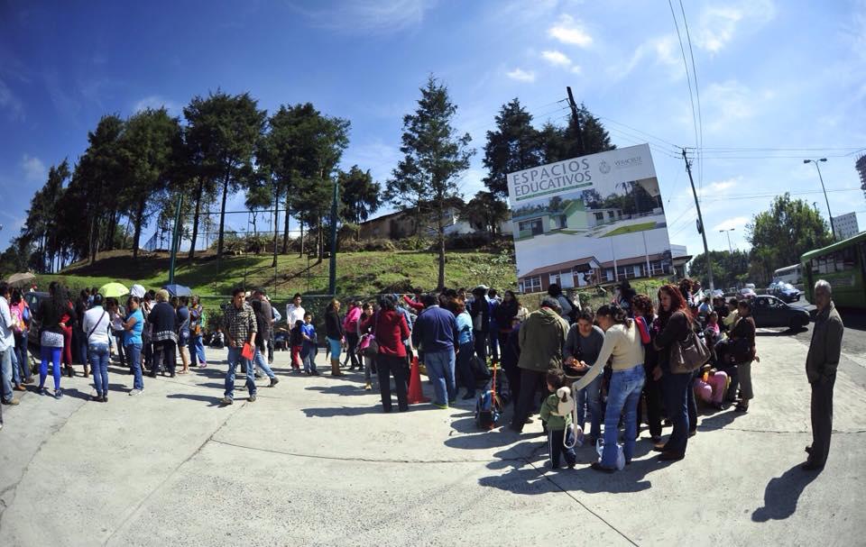 Estudiantes toman espacios Educativos, exigen 57 obras pendientes