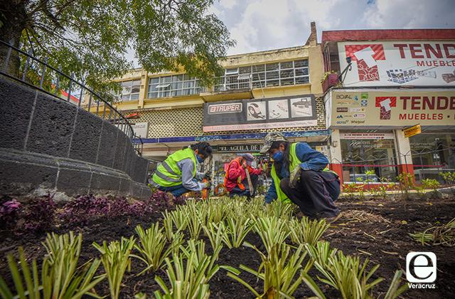 Mejoran imagen urbana de espacios públicos en Xalapa