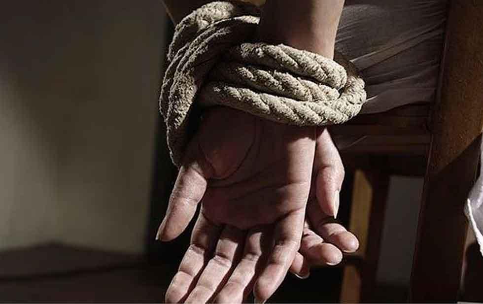 Tras pago de rescate, liberan a 4 maestros secuestrados