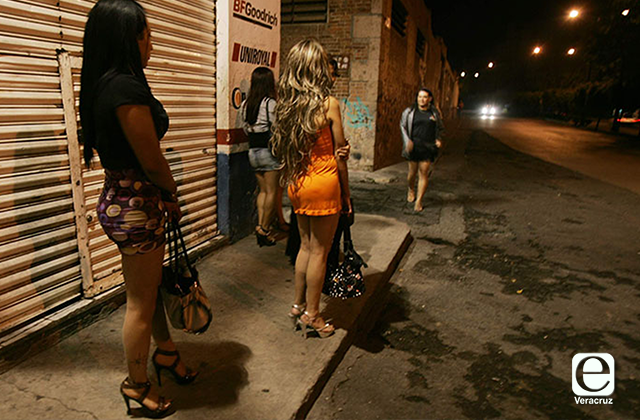 Policía Estatal extorsionaba a sexoservidoras en Xalapa: activista