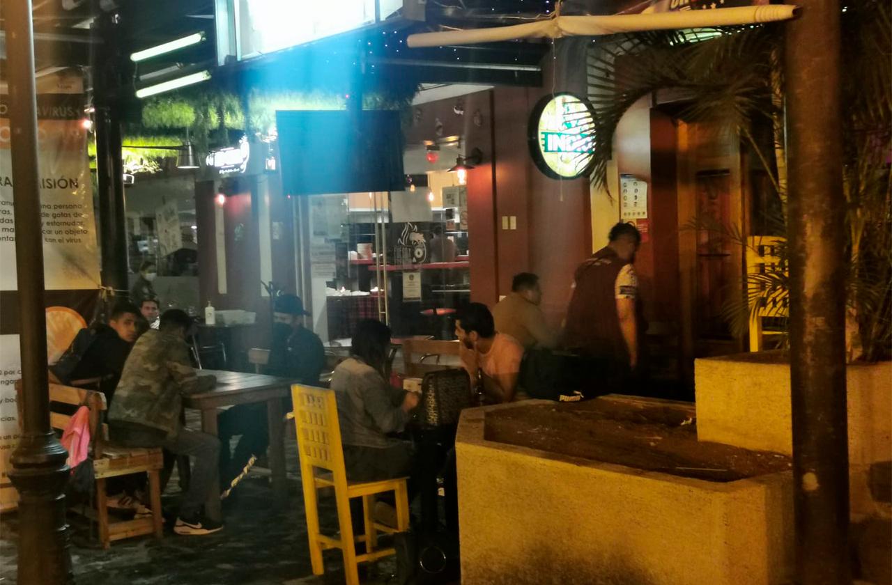 Estos 2 bares de Xalapa fueron clausurados; debían estar cerrados