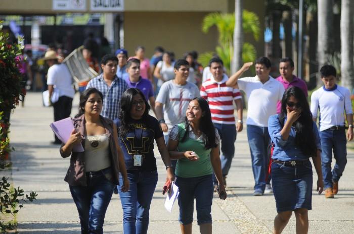 UV recibirá cerca de 16 mil 700 estudiantes el próximo ciclo escolar