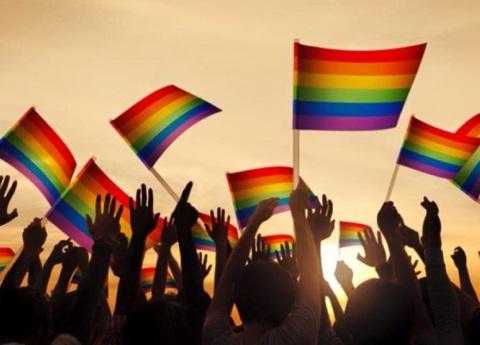 Estudio revela que en el futuro todos seremos bisexuales