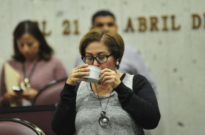 Eva Cadena solicita al Congreso regresar a ocupar su curul
