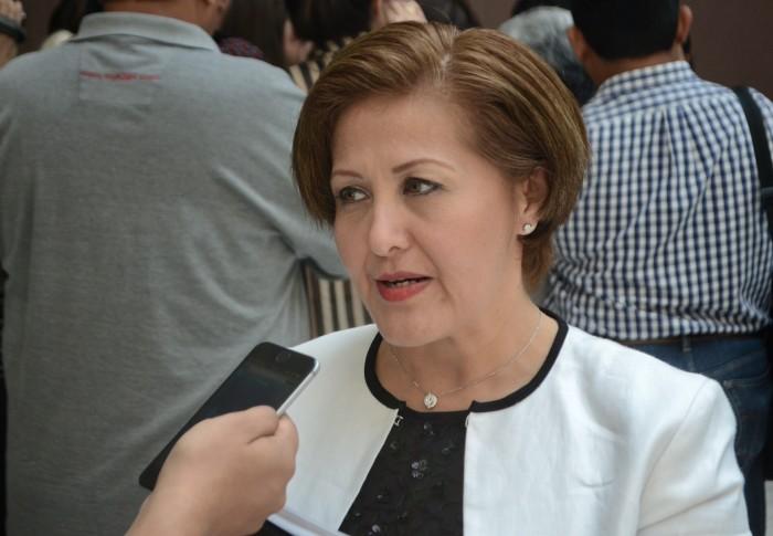 Congreso de Veracruz presenta denuncia ante la FGE contra Eva Cadena