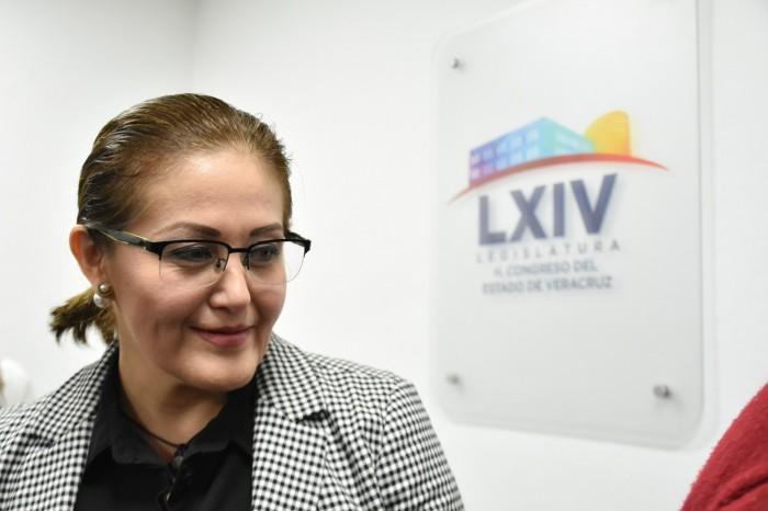 Eva Cadena regresa a ocupar su curul en el Congreso de Veracruz