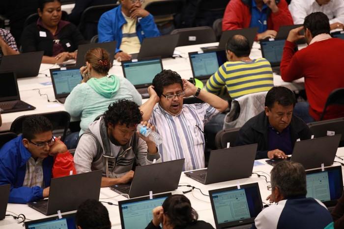 Sin contratiempos se aplica evaluación magisterial en Veracruz