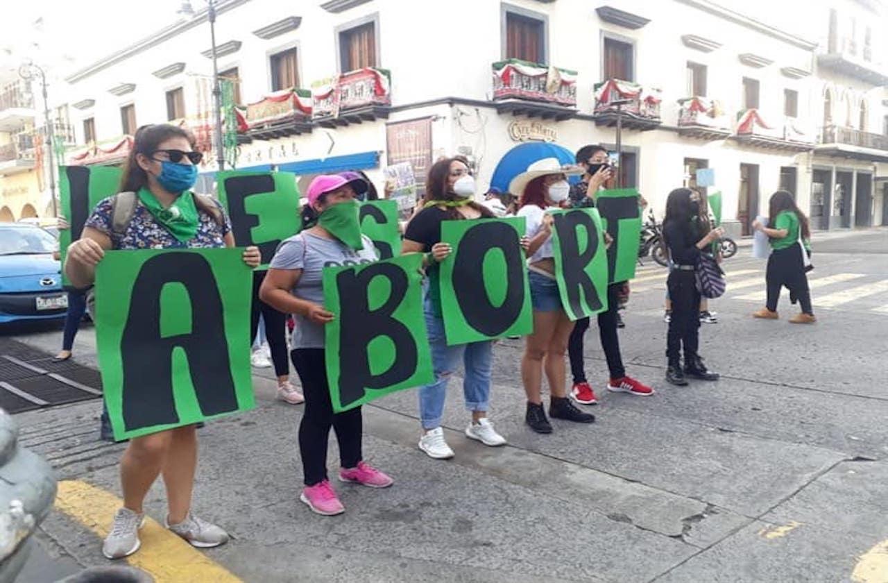 Exigen legislar en favor del aborto en Veracruz puerto