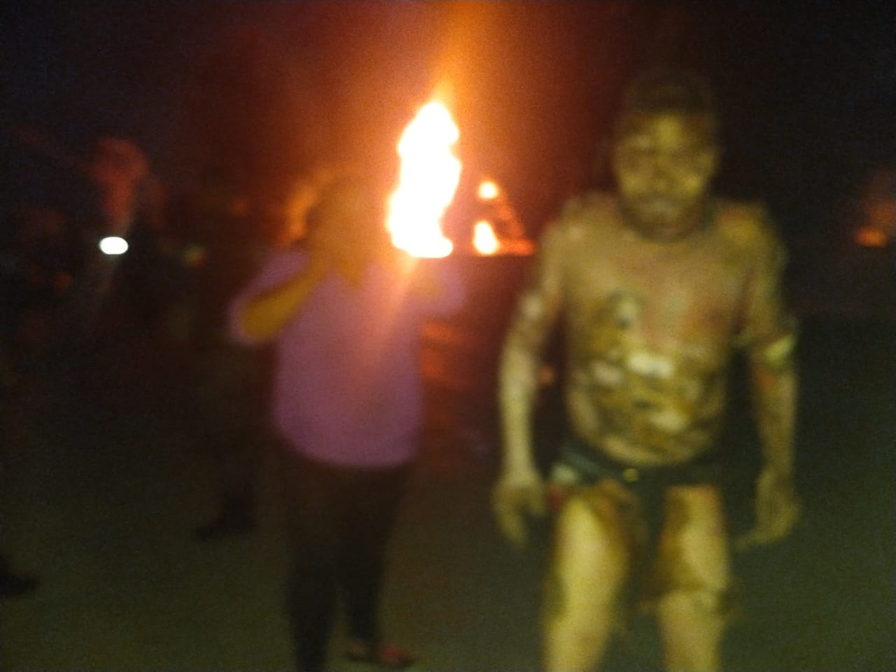 Explota ducto mientras pobladores robaban gasolina; van 20 muertos