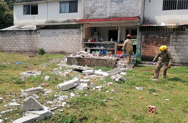 Explosión de tanque de gas causa daños a 21 casas, en Orizaba