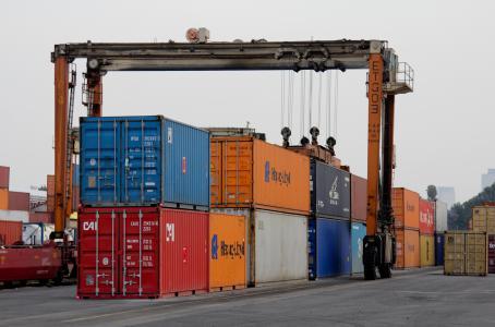 Exportaciones caen 8.2% en marzo por mercancías no petroleras