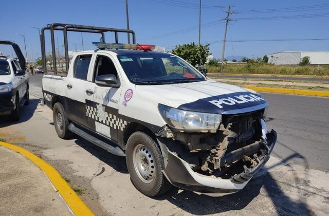 Choca patrulla de la SSP contra camioneta particular en Coatzacoalcos