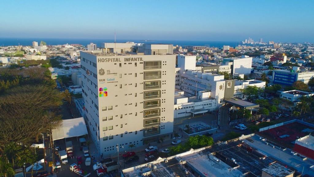 Tras ocho años de retraso, inauguran Hospital Infantil en Veracruz