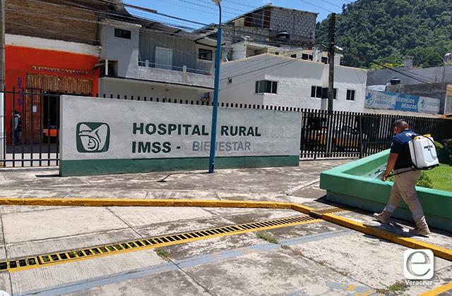 Fallece exalcalde de San Juan Texhuacán en explanada del IMSS