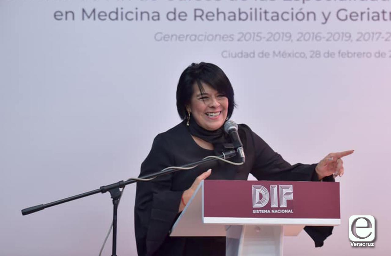 AMLO manda a directora nacional del DIF a reforzar Salud en Veracruz