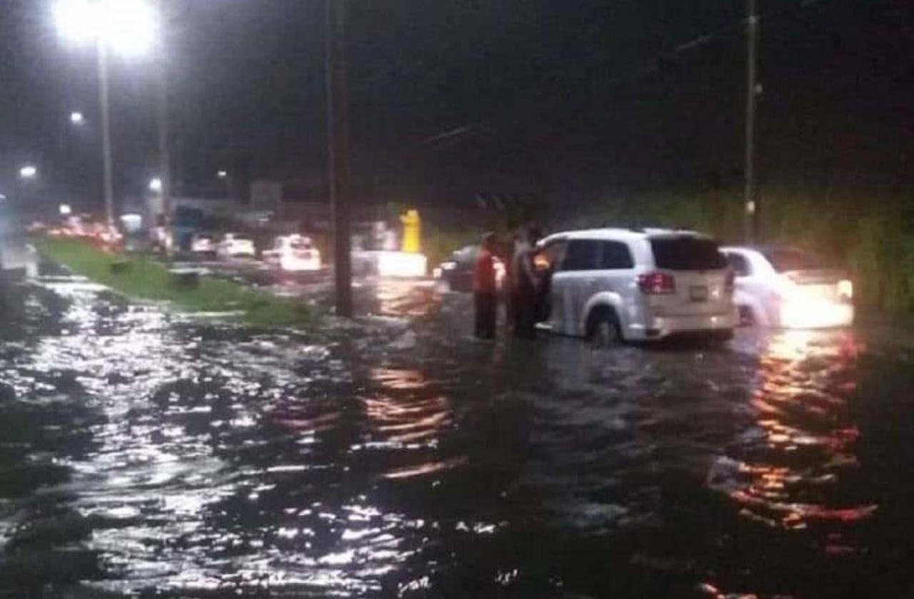 FF#9 provoca inundaciones en Coatzacoalcos y Minatitlán