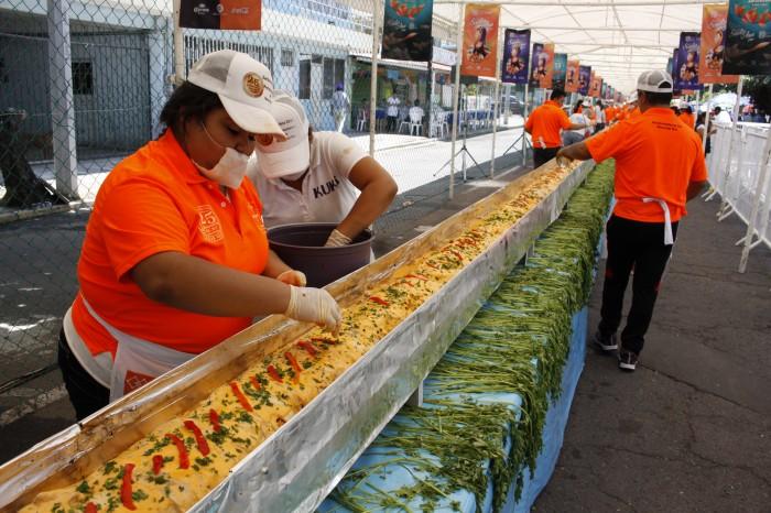 Realizan tradicional Filete Relleno de Mariscos en Boca del Río