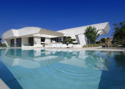EPN renta rentó casa cerca de Zidane y Cristiano