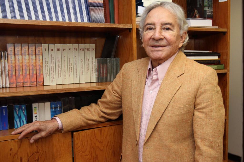 Homenaje doble a Florescano; cumple 80 años