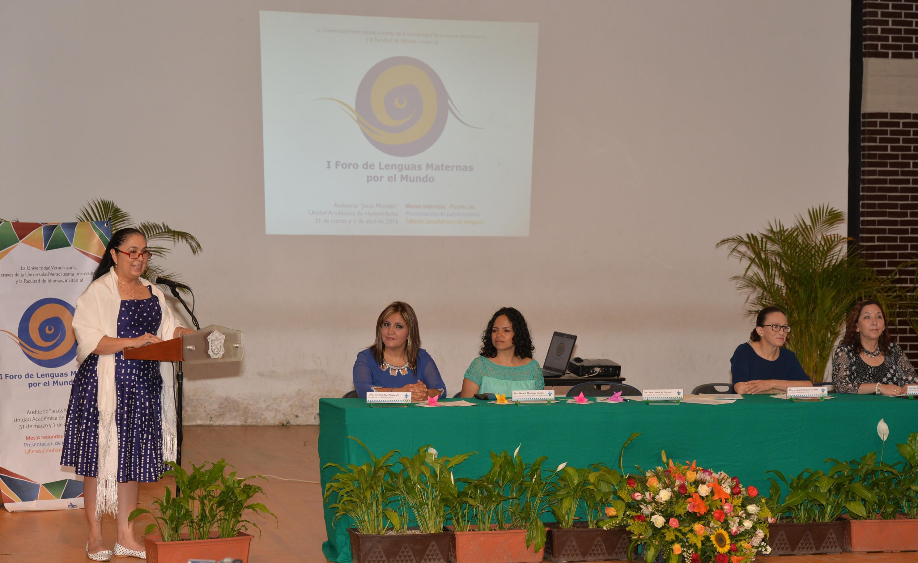 UV, única institución que recibe tesis en lengua materna