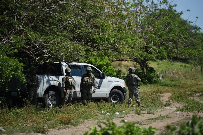 Marina resguarda nueva fosa clandestina hallada en Veracruz