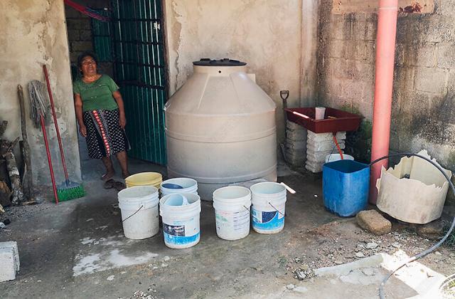 Media ciudad de Las Choapas sin agua, en medio de 'calorón'