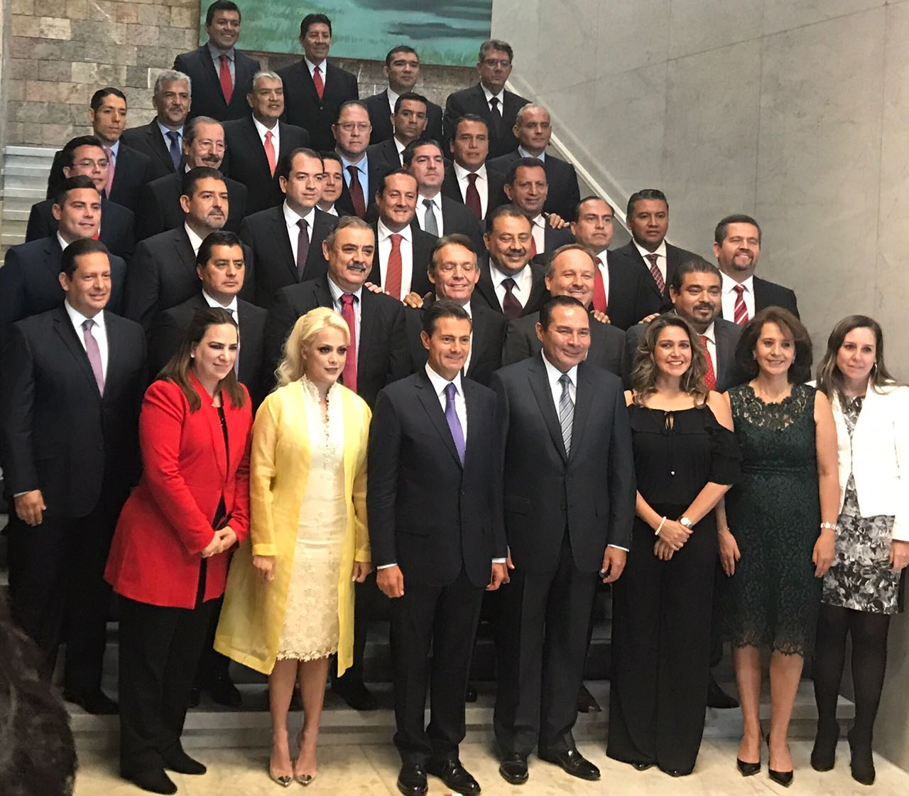 Acompaña Anilú Ingram a EPN en conmemoración de los 25 años de la SEDESOL