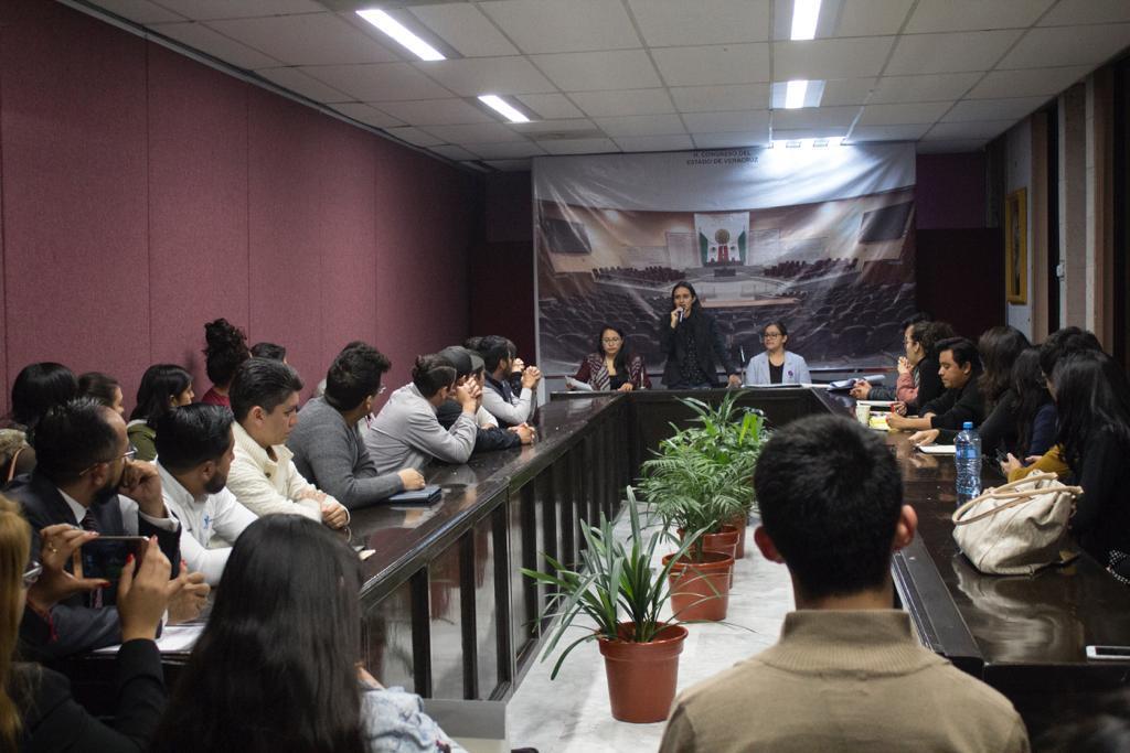 Encuentro de jóvenes en el Congreso para construir red de activistas
