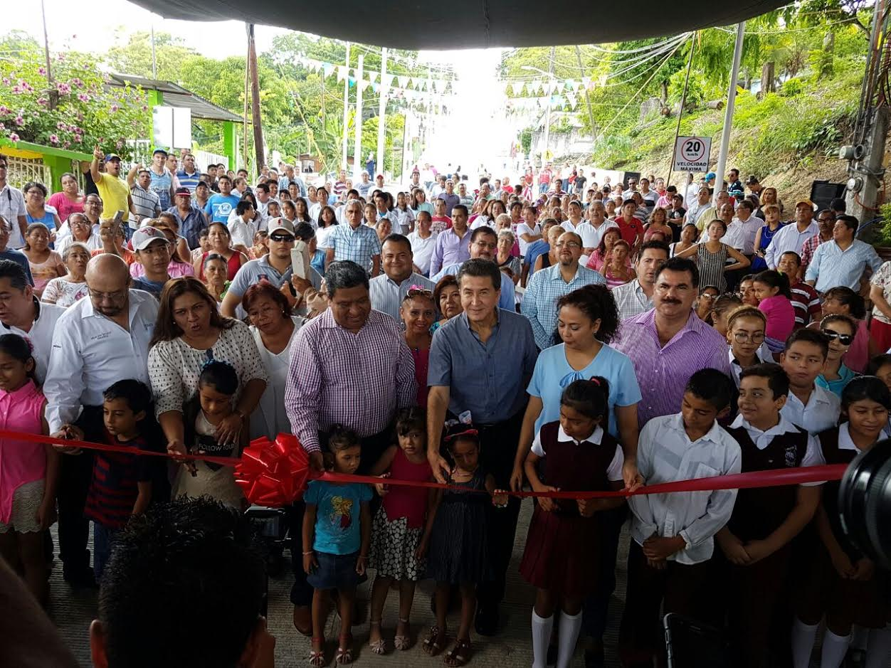 Veracruz se moderniza con recursos de la Federación: Héctor Yunes