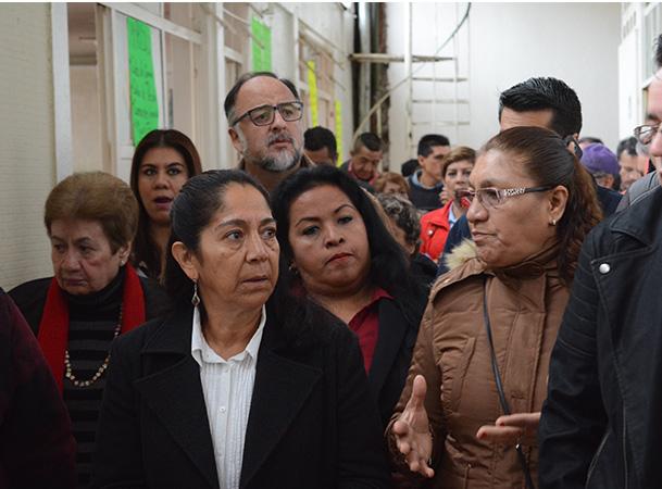 Para rescatar los mercados de Xalapa se necesita aplicar los reglamentos: Regidora