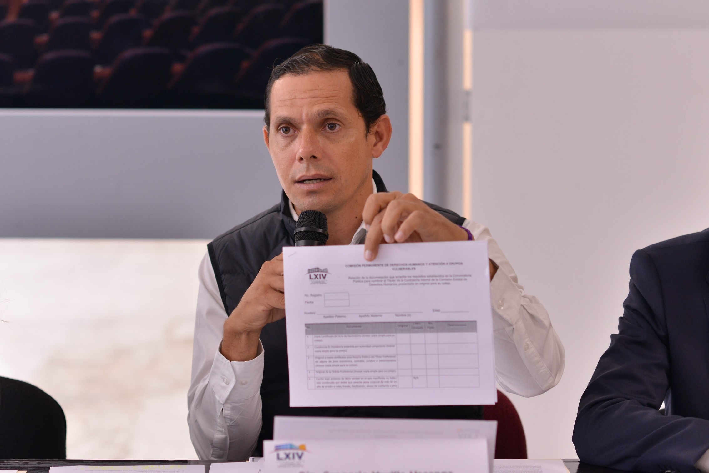 Invita Gregorio Murillo a participar para la elección del Contralor Interno de la CEDH