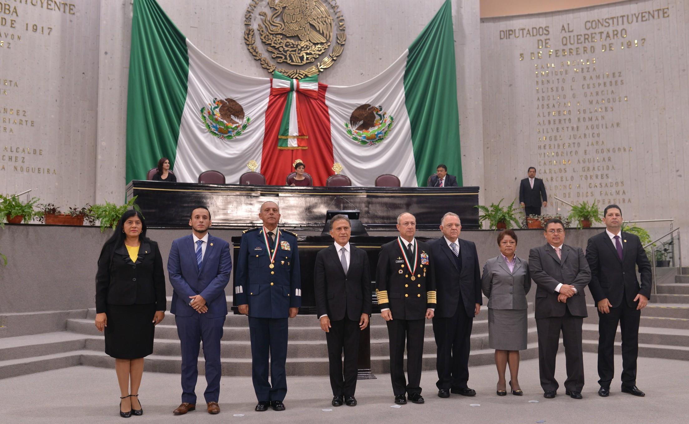 """Entrega LXIV Legislatura medalla """"Adolfo Ruiz Cortines 2017""""a la SEDENA y SEMAR"""