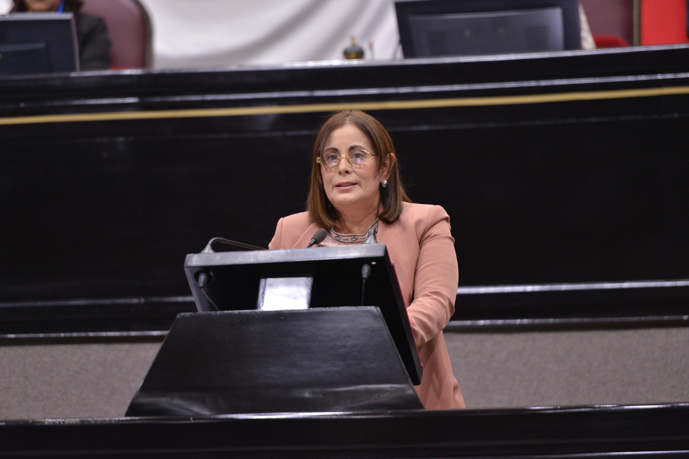Propone diputada González Sheridan crear comisión de Energía y Recursos Renovables