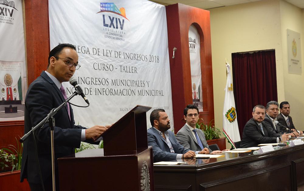 Capacita Congreso a ediles en ingresos y Banco de Información Municipal