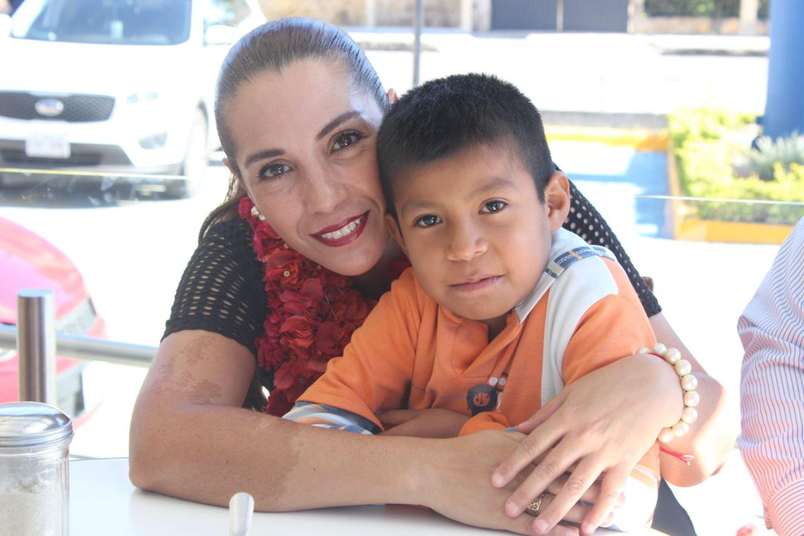 Convoca Cinthya Lobato a obsequiar una sonrisa a infantes de la huasteca veracruzana